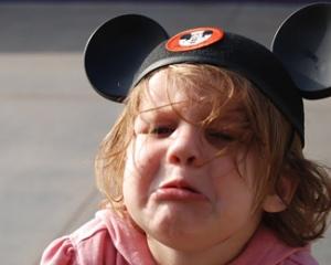 Litton Victoria - Nov 25, 2013 100 AM - crying-child-disney-world