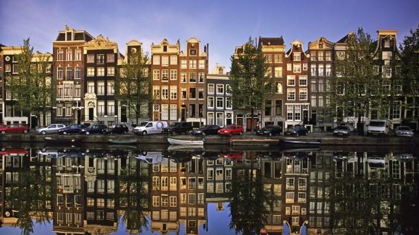29478-42195 - Hughes Chase - Mar 24, 2015 946 PM - amsterdam